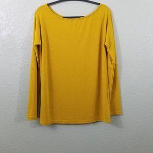 NWOT Amaryllis Gold Long Sleeve Sweater Top